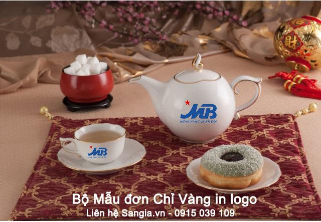 Bộ trà mẫu đơn chỉ vàng Minh Long
