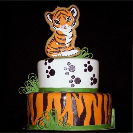 Bánh kem chúc mừng sinh nhật cho những cô gái tuổi hổ