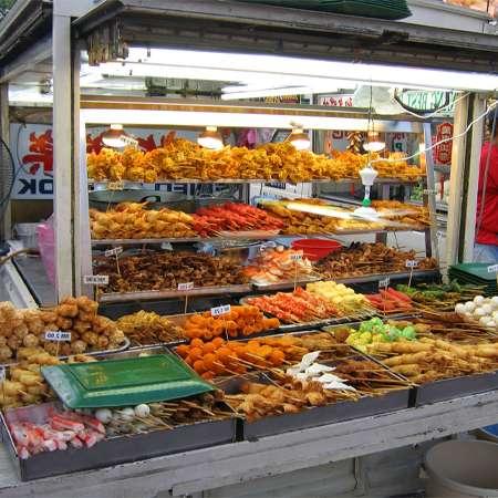 Mô hình bán đồ ăn vặt lề đường
