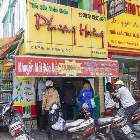 Quán trà sữa đông nhỏ nhưng rất đắt khách tại Nguyễn Tri Phương