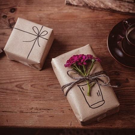 quà tặng Quốc Khánh 2-9 cho đối tác