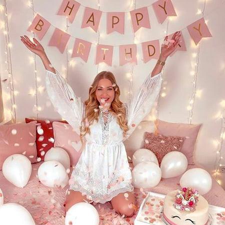 Lời chúc sinh nhật bạn gái bằng tiếng Anh