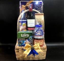 Giở quà tặng tết bánh Tây rượu vang